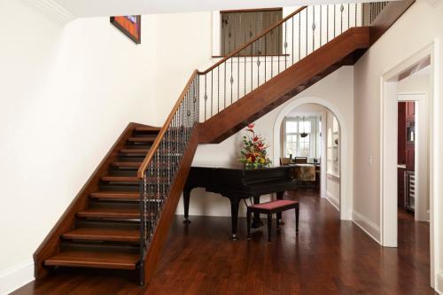家庭楼梯装修风格效果图